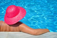 Free Real Female Beauty Relaxing In Swimming Pool Stock Images - 136948624