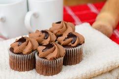 Reala dom zrobił czekoladowym babeczkom Zdjęcie Stock