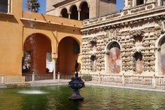 Realer Alcazar der Sevilla-Gärten Stockbilder