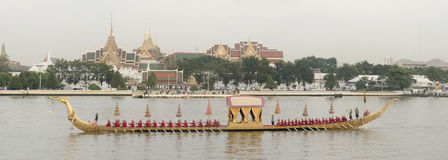 Reales tailandeses barge adentro Bangkok Fotografía de archivo libre de regalías