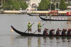 Reales tailandeses barge adentro Bangkok Imagenes de archivo