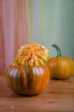 Realice manualmente una calabaza de Halloween Fotografía de archivo libre de regalías
