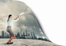 Realidade em mudança da mulher Imagens de Stock