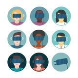 Realidade virtual Ícones ajustados com povos ilustração stock