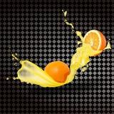realism 3D Apelsiner med plaskande fruktsaft på en genomskinlig bakgrund Arkivfoton