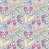 Realistic colorful sport gumshoes.  Seamless pattern Royalty Free Stock Photos