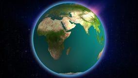 Realistische Erde, die mit der schönen Aura hinaufklettert auf Video des Universums HD spinnt Loopable-Kugel Abstraktes Weltrotat stock abbildung