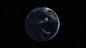 Realistische Erde, drehend in Raum vor dem hintergrund des sternenklaren Himmels Nahtlose Schleife mit Tag und Nacht Stadtlichtän stock abbildung