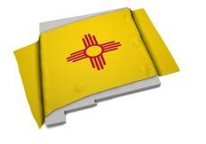 Realistische Flagge, welche die Form des New Mexiko (Reihen, umfasst) Stockbild