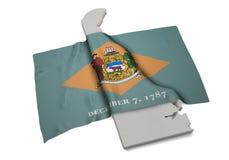 Realistische Flagge, welche die Form von Delaware (Reihen, umfasst) Lizenzfreies Stockfoto