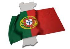 Realistische Flagge, welche die Form von Portugal (Reihen, umfasst) Lizenzfreies Stockfoto