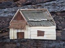 Realistische het huis van de collagekunst Creatieve natuurlijke houten ambacht stock afbeelding
