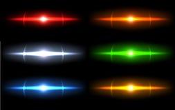 Realistische lichte glansfonkeling, hoogtepuntreeks Inzameling van mooie heldere lensgloed Verlichtingsgevolgen van flits Royalty-vrije Stock Afbeelding