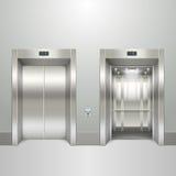 Realistische lift open en gesloten deuren Royalty-vrije Stock Fotografie