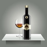 Realistische Vektorflaschen Glas und Reflexionsluxusart mit Lizenzfreies Stockfoto
