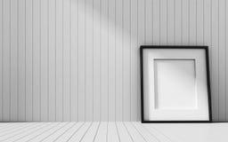 Realistischer Bilderrahmen auf hölzernem Hintergrund Lizenzfreies Stockbild