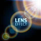 Realistischer eingestellter Lichtstrahl Der Effekt des Sonnenaufflackerns Helle Beleuchtung Auch im corel abgehobenen Betrag Stockfotos