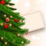 Realistischer Weihnachtsbaum verziert mit Flitter und Beleuchtungskaimanfisch lizenzfreie abbildung