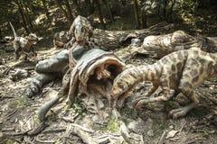 Realistisches Modell des Dinosauriers Deinonychus stockbilder
