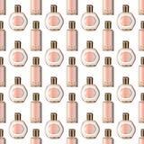 Realistisches Parf?m und duftender Toilettenwasserflaschenvektorsatz, stiegen rosa Farben mit Gold vektor abbildung