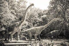 Realistisk modell av dinosaurien - Brachiosaurus Arkivfoto
