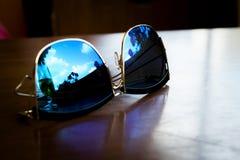 realistisk solglasögon royaltyfria foton