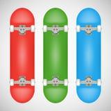Realistisk tom röd skateboardmall -, göra grön, slösa Royaltyfri Bild