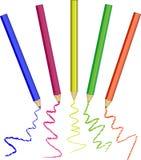 Realistisk uppsättning av färgrika kulöra blyertspennor Royaltyfria Foton