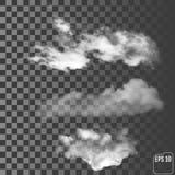Realistiska moln på en genomskinlig bakgrund Arkivfoton