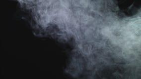 Realistyczna suchego lodu dymnych chmur mg?y narzuta perfect dla compositing w tw?j strza?y Po prostu opuszcza mnie wewn?trz i zm zdjęcie wideo