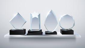 Realistyczne szklane trofeum nagrody, przejrzyste diamentowe zwycięzca nagrody na szelfowej wektorowej ilustraci ilustracja wektor