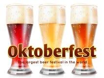 Realistyczni szkła piwna wektorowa ilustracja Oktoberfest sztandaru szablon royalty ilustracja