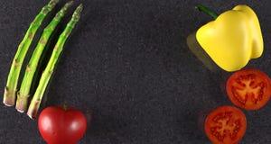 Realistyczny warzywo asparagus, koloru żółtego pieprz I pomidor, Fotografia Stock