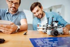 Realiteten iscensätter att testa roboten arkivbilder
