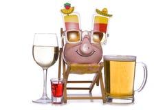 Realização do orçamento por um feriado do cruzeiro das bebidas Foto de Stock
