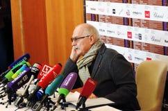 Realizador de cinema Nikita Mikhalkov na imprensa-conferência foto de stock