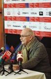 Realizador de cinema Nikita Mikhalkov na imprensa-confer?ncia fotos de stock royalty free