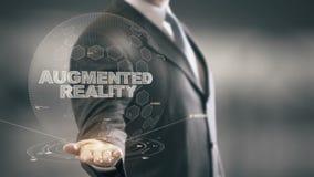 Realtà aumentata con il concetto dell'uomo d'affari dell'ologramma video d archivio
