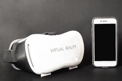 REALTÀ VIRTUALE - VETRI E TELEFONO VR Fotografie Stock