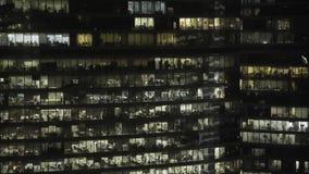 Realtidsfasadskott av fasaden för skyskrapa s i centrum Låst ner skott arkivfilmer