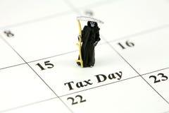 Reaper sinistre le jour d'impôts Image libre de droits