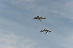 Reaprovisionamiento del aeroplano Imagen de archivo