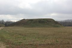 Rear view of the Temple Mound Mound A of Etowah. Etowah Indian Mounds are prehistoric archaeological site located on the bank of Etowah river in the Bartow Stock Images