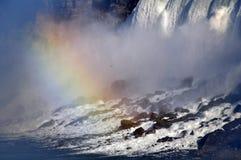 Reat baja con un arco iris encima Fotos de archivo