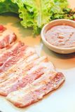 Rebanada cruda del cerdo para la barbacoa, comida japonesa, Yakiniku Imagen de archivo libre de regalías