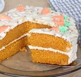 Rebanada de la torta de capa de la zanahoria Fotografía de archivo