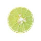 Rebanada de limón fresco aislada en el fondo blanco Imágenes de archivo libres de regalías