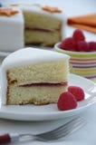 Rebanada de torta de esponja de Victoria Imagenes de archivo