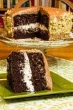 Rebanada de torta de la melcocha del chocolate Imágenes de archivo libres de regalías