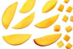 Rebanada del mango aislada en el fondo blanco Alimento sano Visión superior imagenes de archivo